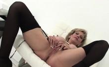 Unfaithful British Milf Lady Sonia Flaunts Her Monster Knock