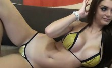 Super-hot bikini girl on livecam