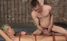 Ashton Bradley gives Kris Blent a kinky handjob treatment