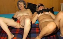 OmaPass amateur mature and granny with toys