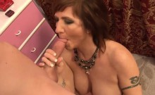 Raunchy mature slut has her pussy pumped