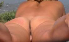 Slender Nudist Beach Babe Bares Her Ass To The Hidden Cam