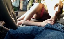Teen masturbates in front of a stranger
