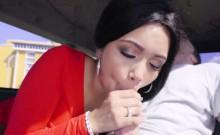 Aaliyah Hadid gives an epic hot blowjob
