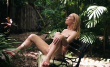 Blonde american teen amateur Raylin Ann is a sexy, steaming