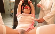 Cute nurse gives a steamy oral-sex to get a creamy reward