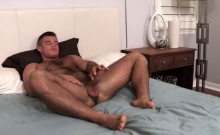 Muscle bear rimjob and cumshot