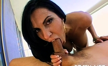 Delightful busty brunette chick Veronica Rayne blowing well