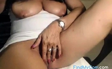 Milf with hanging tits and spread pussy fingers herself