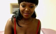 Sexy Cam Ebony Babe flashes nipple
